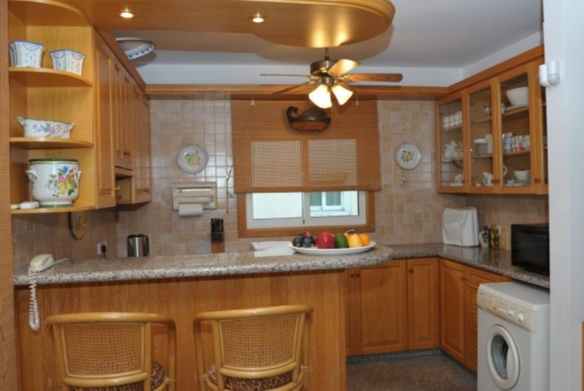 11.-Kitchen--800x454