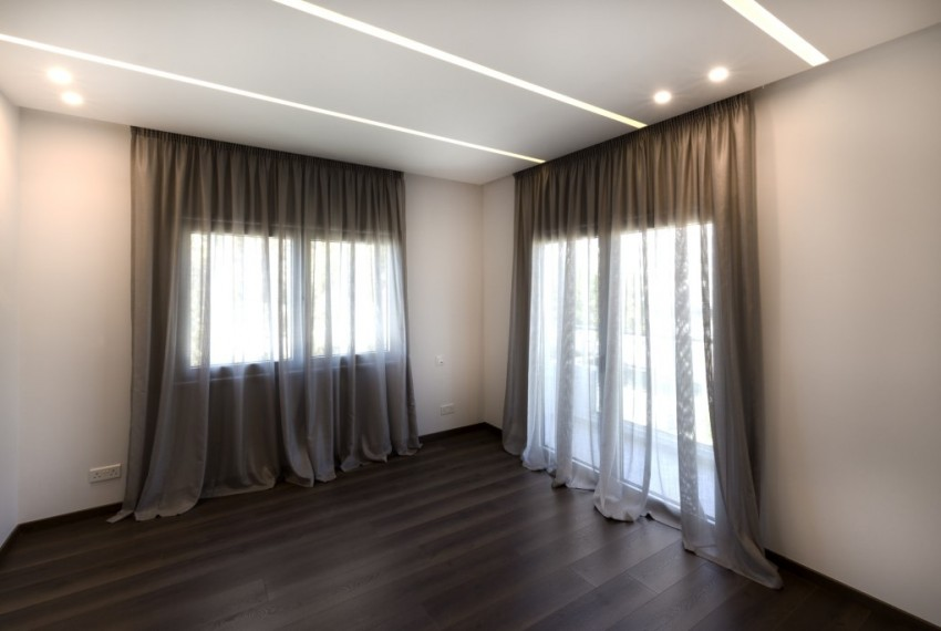 14 Interior-44