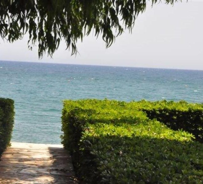 2 BEDROOM FLAT IN THE SEA (13) (1)