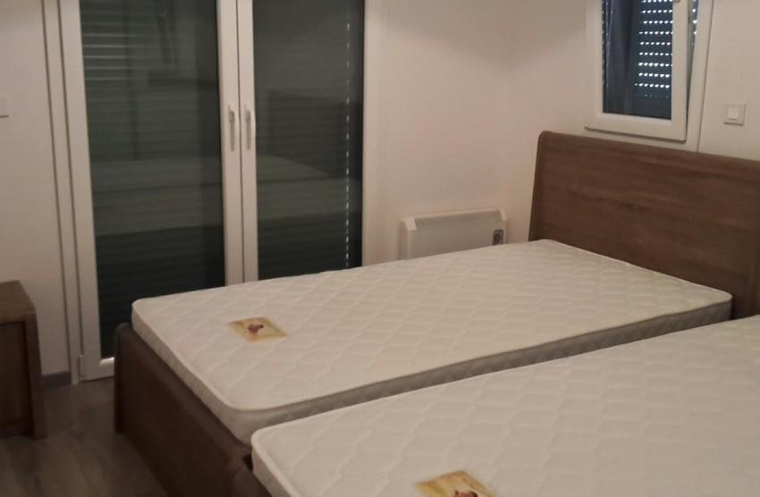 2 beds 1,5 in bedroom3