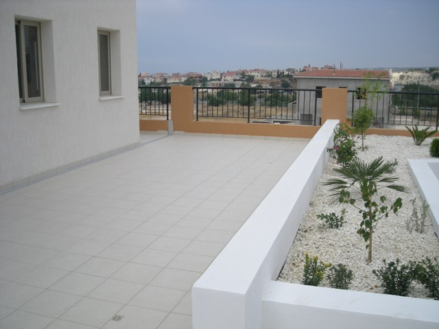 2BDR veranda ground floor apts