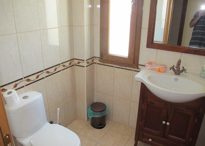 35.GUEST BATHROOM