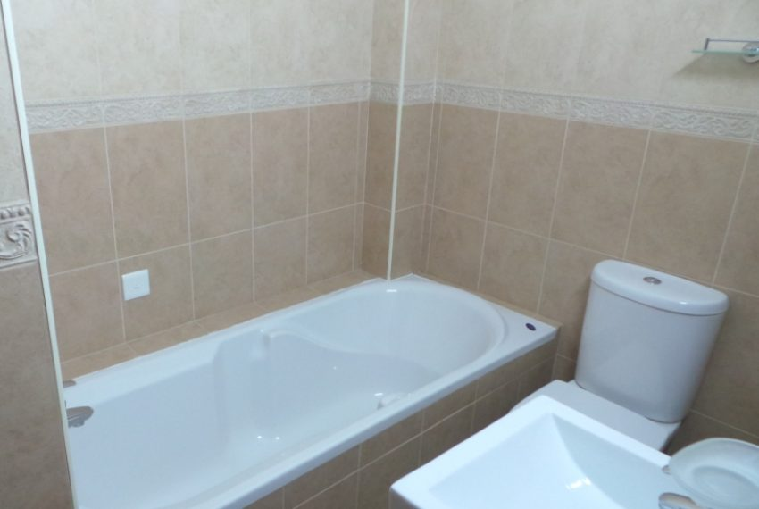 3bds fam bathroom 3