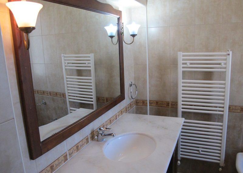 47.BATHROOM IN MAIN BEDROOM