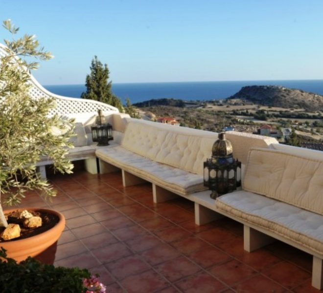 9.-Main-Veranda-View--800x454