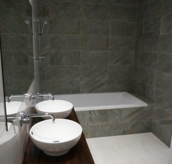 Bathroom 2-3