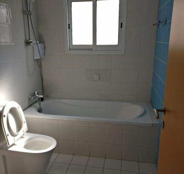 Bathroom - Bath + Piestiko