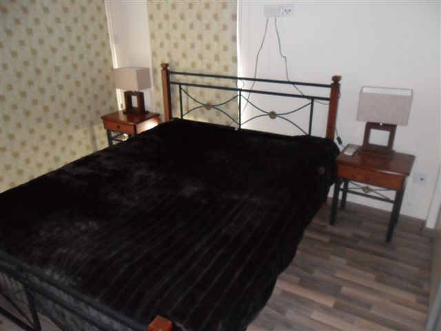 Bedroom1 (3)