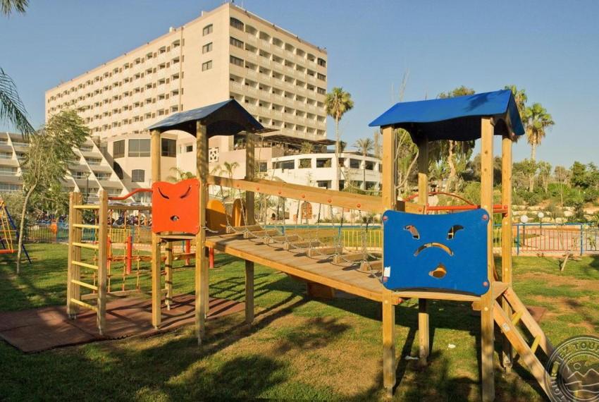Children_s_Outside_Playground_147