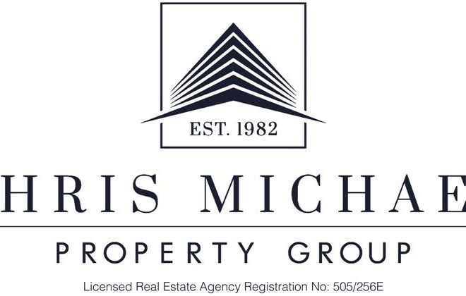 Chris Michael Logo white -small