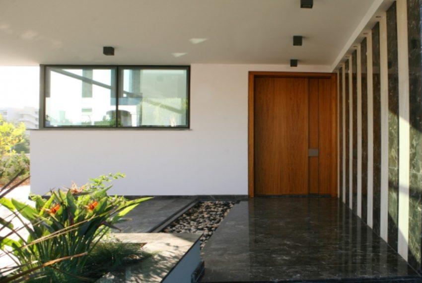 Entrance010101