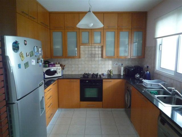 Kitchen3.JPG.JPG
