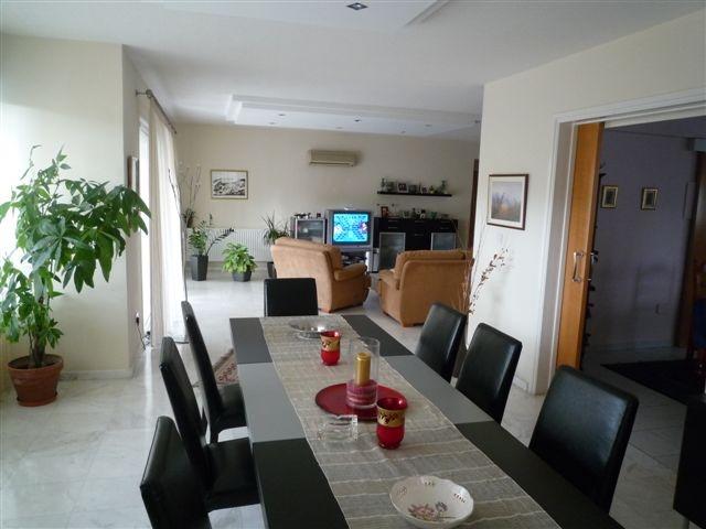 Living room 1.JPG.JPG