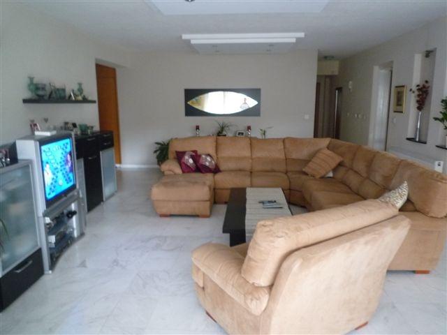 Living room2.JPG.JPG