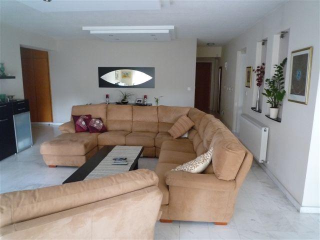 Living room3.JPG.JPG
