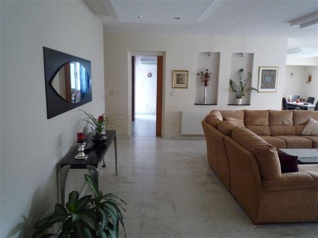 Living room4.JPG.JPG