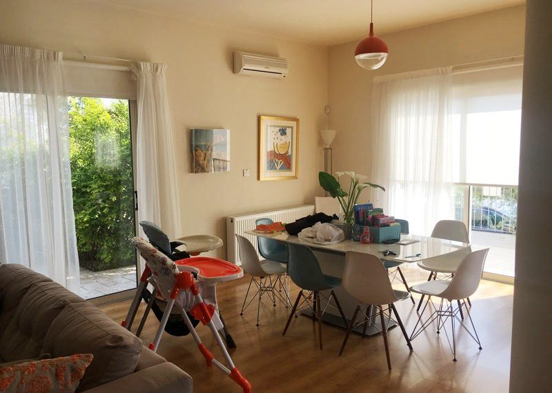 MHFS254-living-area