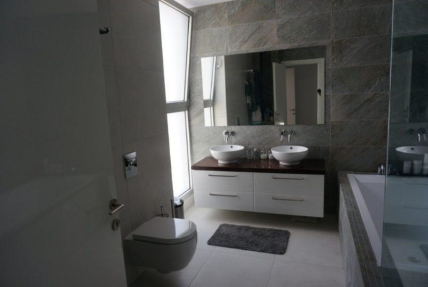 Master Bathroom 1fgh