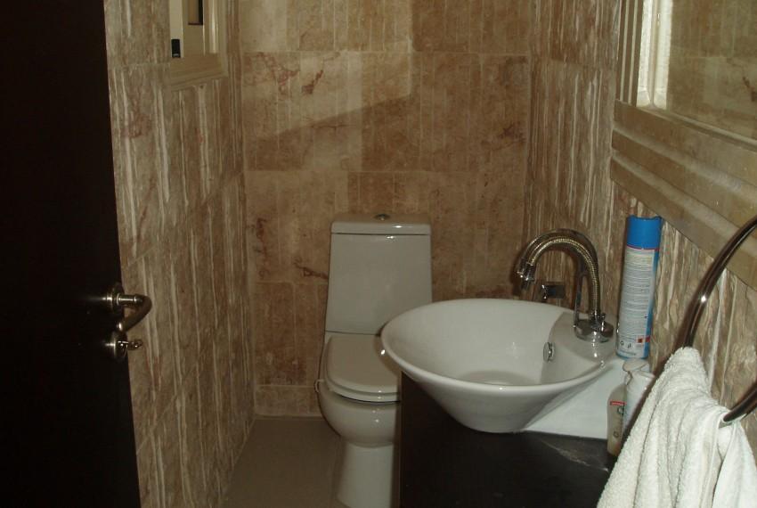 SR4598 guest wc
