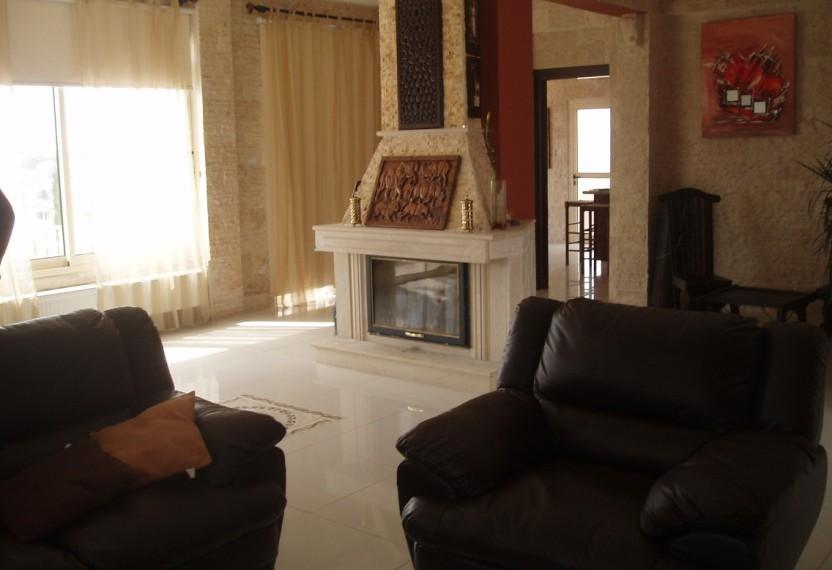 SR4598 living area