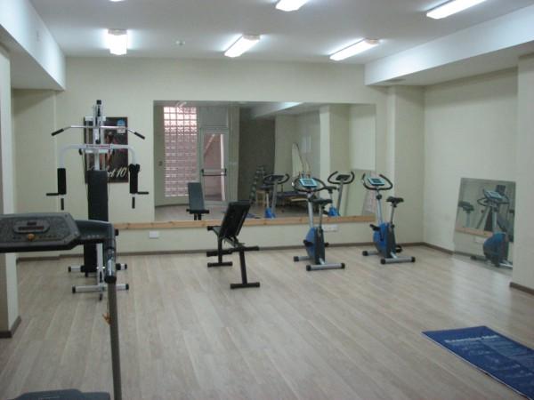 SR5045 gym1
