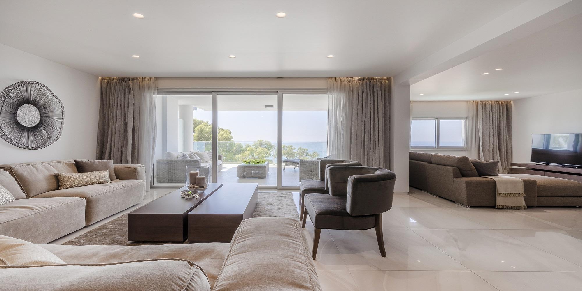 4 Cпальная Квартира на Берегу Моря с Изумительными Видами на Море