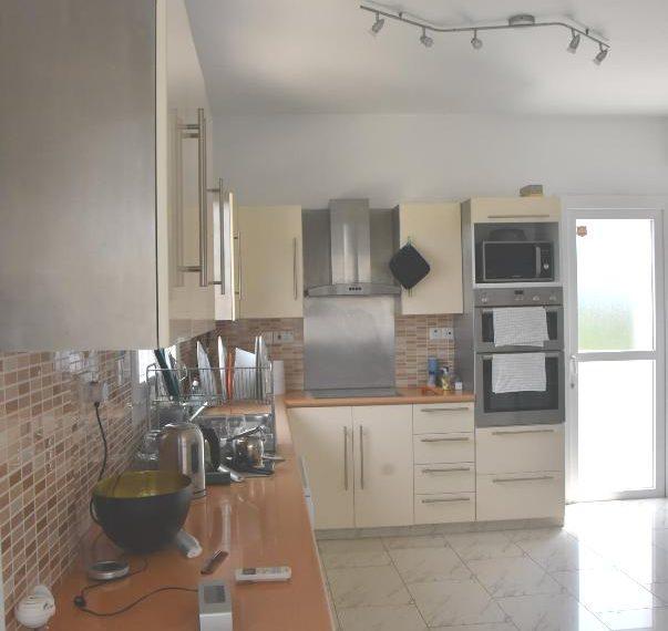 main-kitchen-min