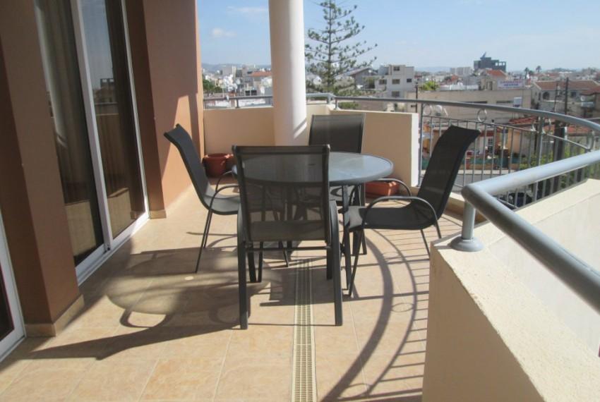 ttFront balcony (1)