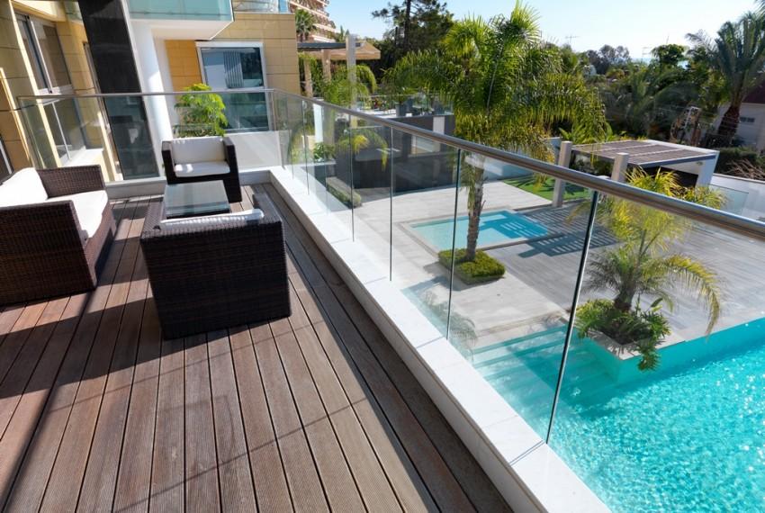 veranda and swimming pool together